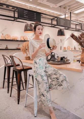 北嫣自然个性的女装设计理念 将念绚丽多彩完美演绎